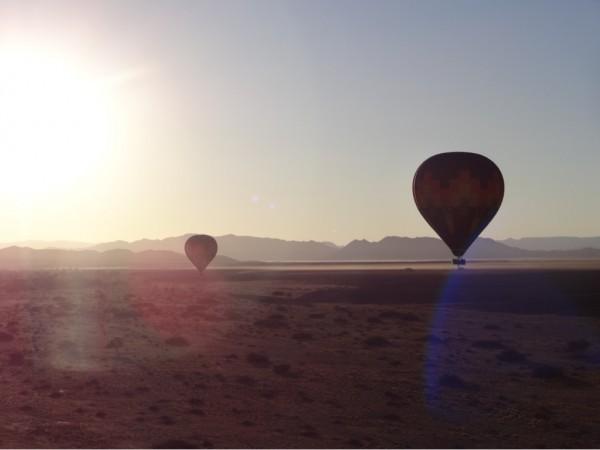 Ballonfahrt über der Wüste Namib